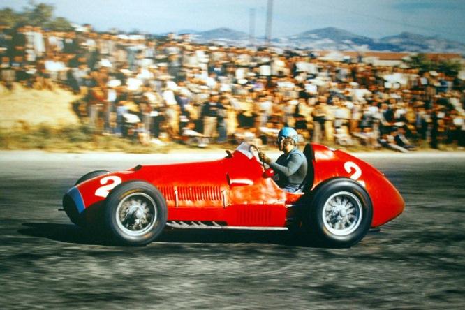 Ascari verrà omaggiato a Milano. Monumento alla leggenda della Ferrari